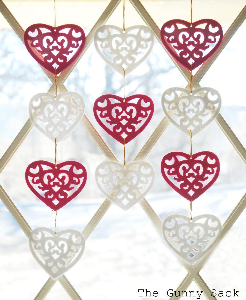 Easy Valentine's Day Decorations - The Gunny Sack
