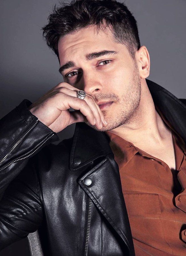 Did Çağatay Ulusoy's face catch your eye? It turned out to be aesthetic!