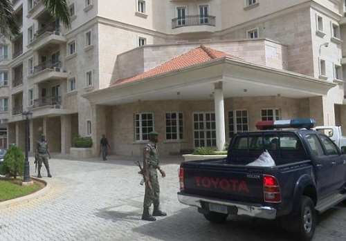 Shock As EFCC Uncovers Another $43.4m, N23.2m, £27,800 In Ikoyi Apartment