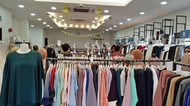 Shopping Raya di Butik Haqqi,Butik Haqqi One Stop Centre, butik terbesar menjual kelengkapan haji dan umrah, Butik menjual pakaian patuh syariah, one pit stop shopping centre, kelengkapan haji, kelengkapan umrah, telekung dewasa, telekung kanak-kanak, kain ihram, hand sock, sarung kaki, al quran, buku islamik butik haqqi terengganu haqqi jubah haqqi tabung haji butik kelengkapan umrah haqqi tudung kedai kelengkapan umrah shah alam butik haqqi bangi - kelengkapan haji dan umrah bandar baru bangi, selangor kelengkapan haji dan umrah bangi, CAWANGAN BUTIK HAQQI pakaian raya haqqi, baju raya di haqqi. Shopping baju raya,  baju raya murah di haqqi,  baju trendy di haqqi,  haqqi butik mesra pelangan dan banyak pilihan,  baju raya sedondon