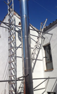 foto estructura para sujetar chimenea
