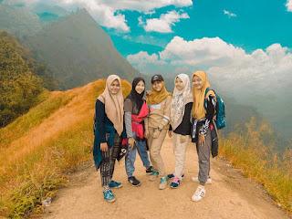 Bеrwіѕаtа kе Punсаk Bukit Watu Jengger