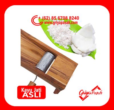 parut kelapa engkol manual