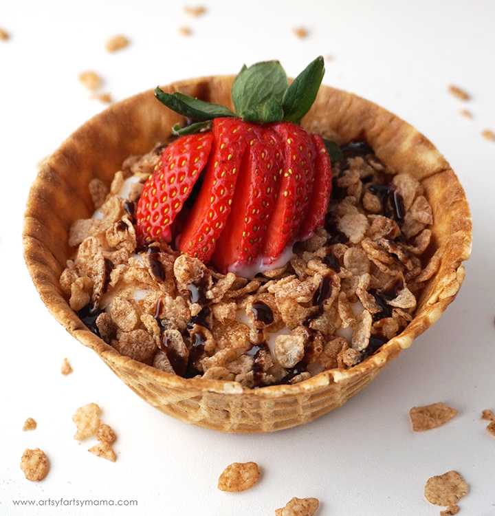 Healthy Breakfast Sundaes are a delicious way to brighten up your day!