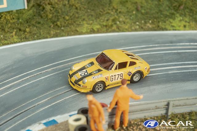 Yellow Porsche Bananendampfer Nürburgring Calss Winner GT