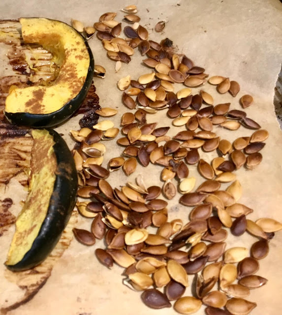 acorn squash wedges and seeds