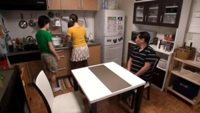 سلسله افلام سكس المحارم اليابانية الابن المحظوظ ينيك امه