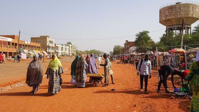 A scene of daily life in Niamey