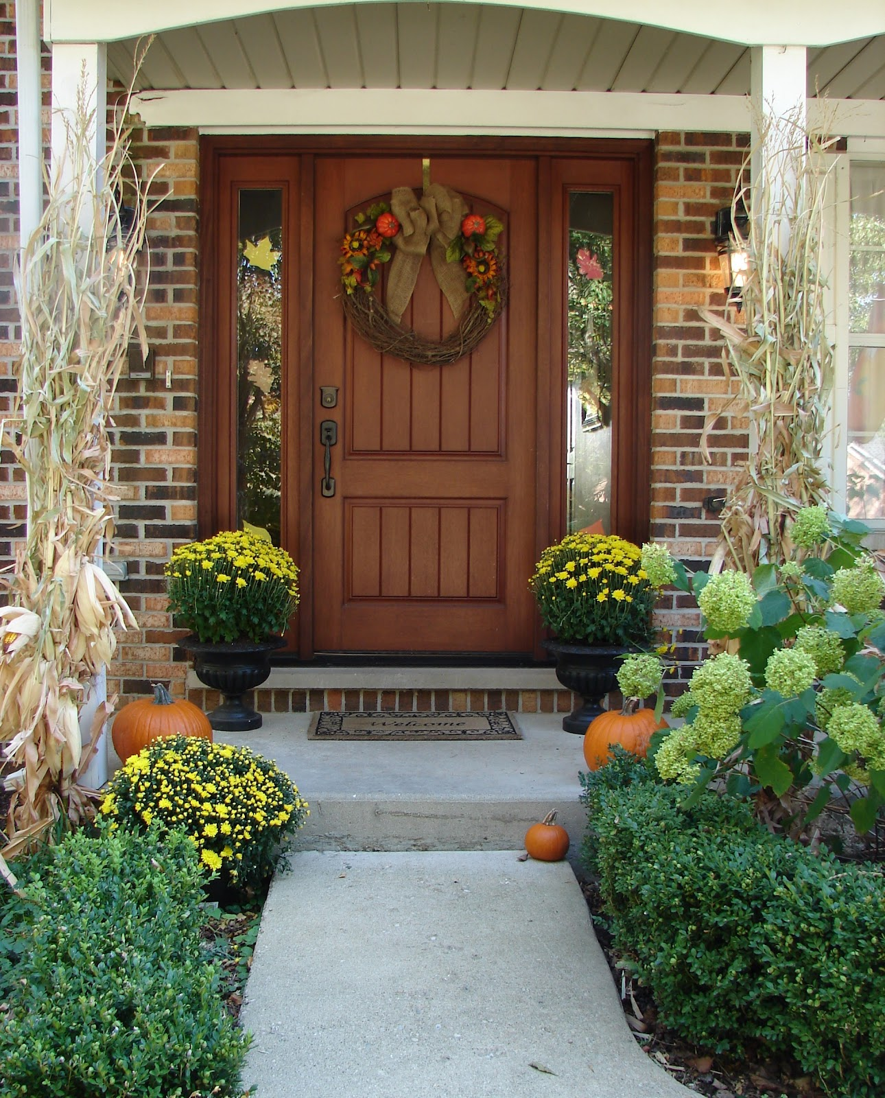 Autumn Front Door: Tattered Tiques: Fall Welcome