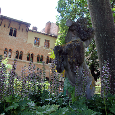 One of the Secret Gardens of Cahors.
