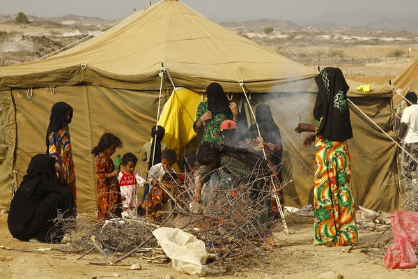Image Attribute: Yemeni women and children at a camp in north Yemen. / Source: IRIN Photos/Flickr.com, CC BY-NC-ND