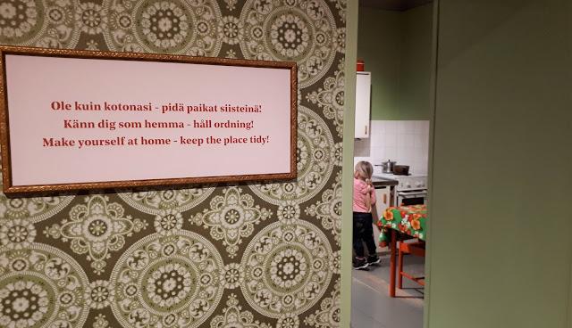 Lasten kaupunki, Helsingin kaupunginmuseo, museo, helsinki, lasten kanssa museoon, tekemista lasten kanssa helsinki, mummola, retromummola, retrotapetti
