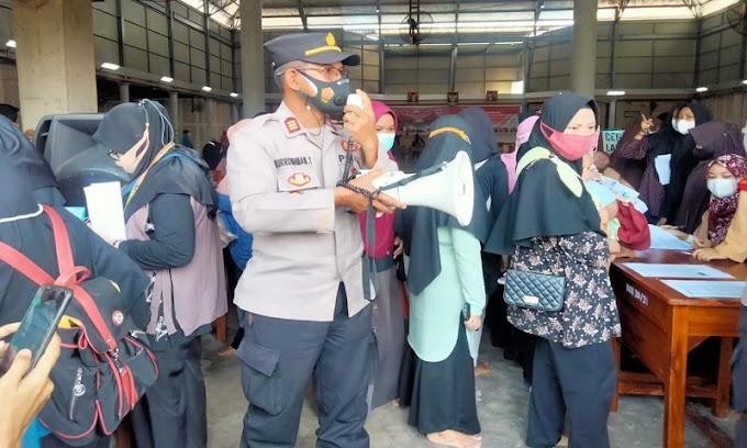 Gelar Pengamanan, Polsek Cisoka Dukung Pelaksanaan Vaksinasi FKPM dengan Dokpol Polda Banten
