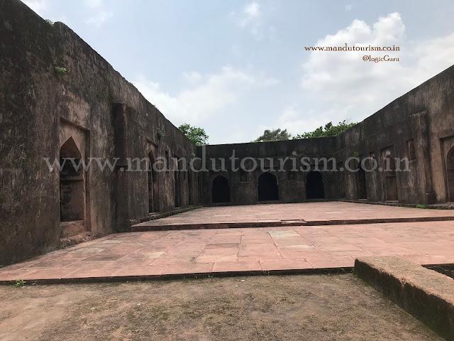 Information about madan kui ki sarai Mandu