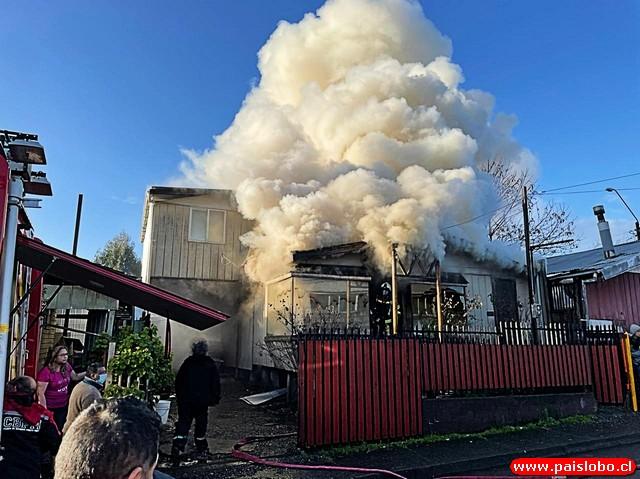 Puerto Montt: Incendio afectó vivienda de población Teniente Merino