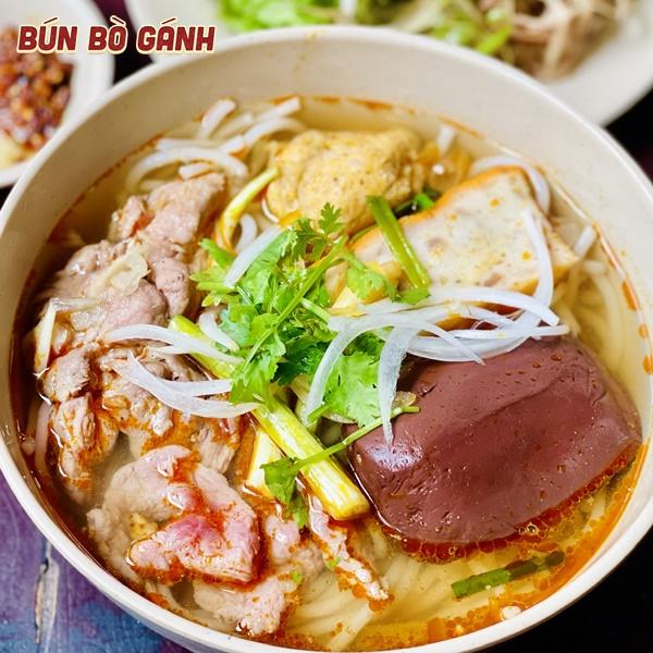Bún Bò Giò Tái Chả (Tôm Cua) - Rare Beef, Shank, Shrimp Balls (Crab Balls)