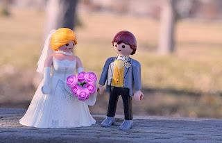 婚前協議書怎麼寫、如何寫常是許多人之疑問,以下是就婚前協議書之試擬版本,因每一對新人就婚後之期許不同,故僅能大略撰擬,如有其他約定事項或不需要之事項再請自行調整。