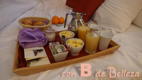 Desayuno en la habitación de París