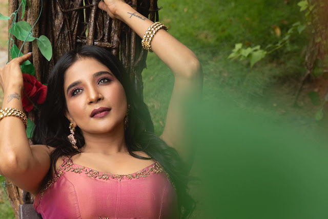 Sakshi Agarwal Recent Hot Images in Langa Voni Actress Trend
