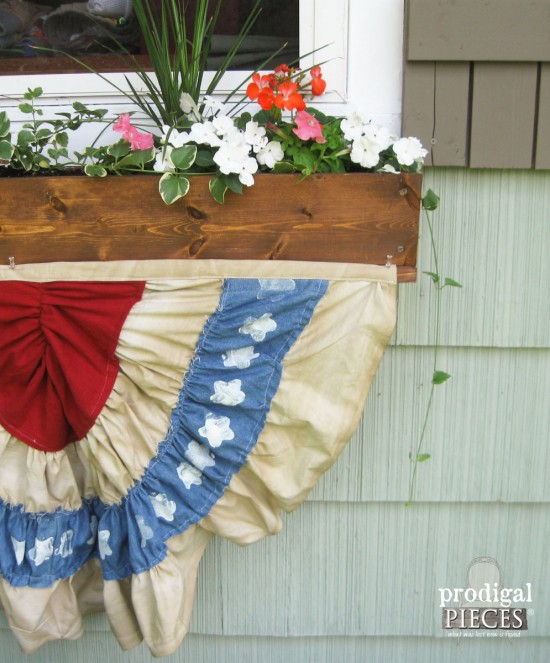 Here are 12 fabulous Patriotic DIY projects that you can make for your home! The roundup is available at diy beautify!
