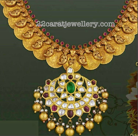 Kasu Necklace with Kundan Pendant