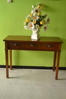 Teak Salsa Desk 03 atau Meja Salsa 03 adalah meja selasar jati yang indah dan mewah