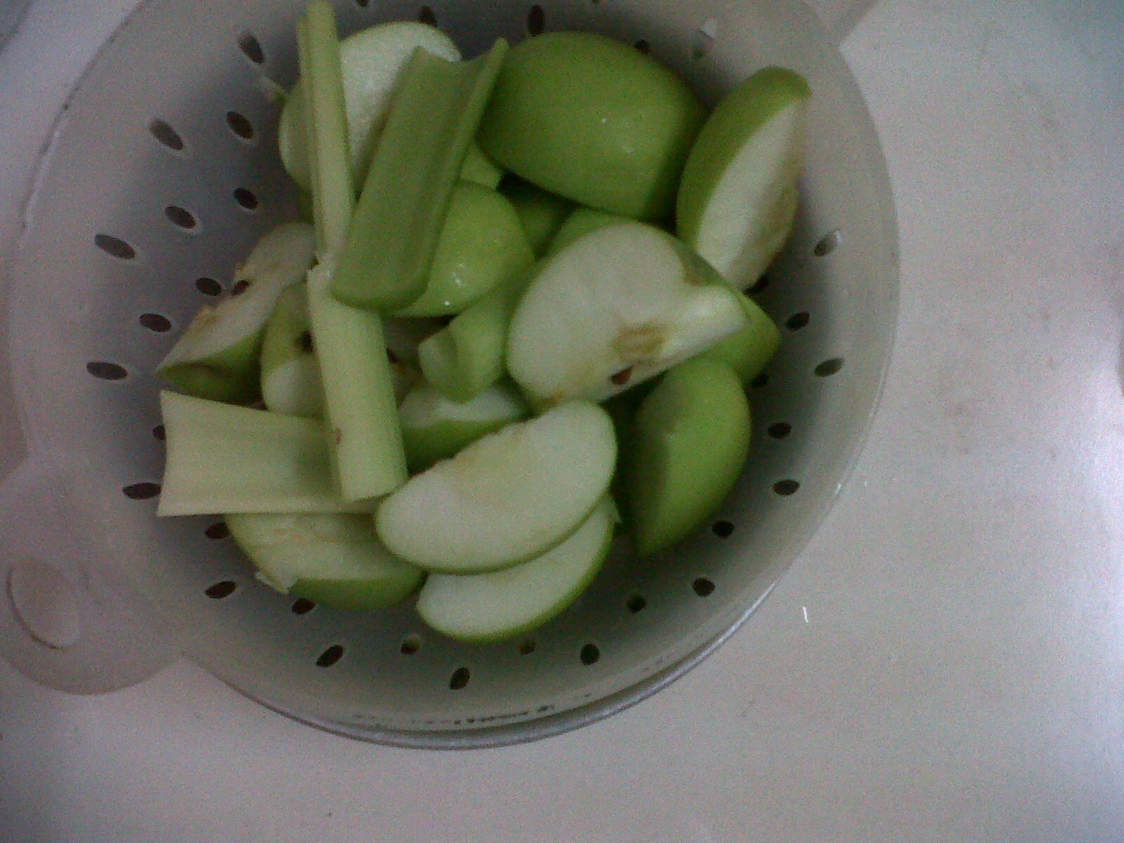 My Lil Dreamz Jus Apple Celery Good For Detox And Helps Reduce Weight