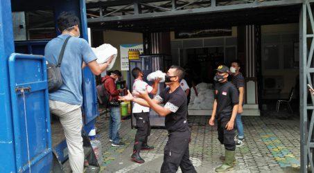 Bantuan Perusahaan Terkait Covid 19 di Surabaya Di Distribusikan Melalui Pemkot.