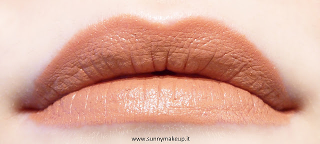 Swatch Urban Decay - Matte Revolution. Rossetto Stark Naked.