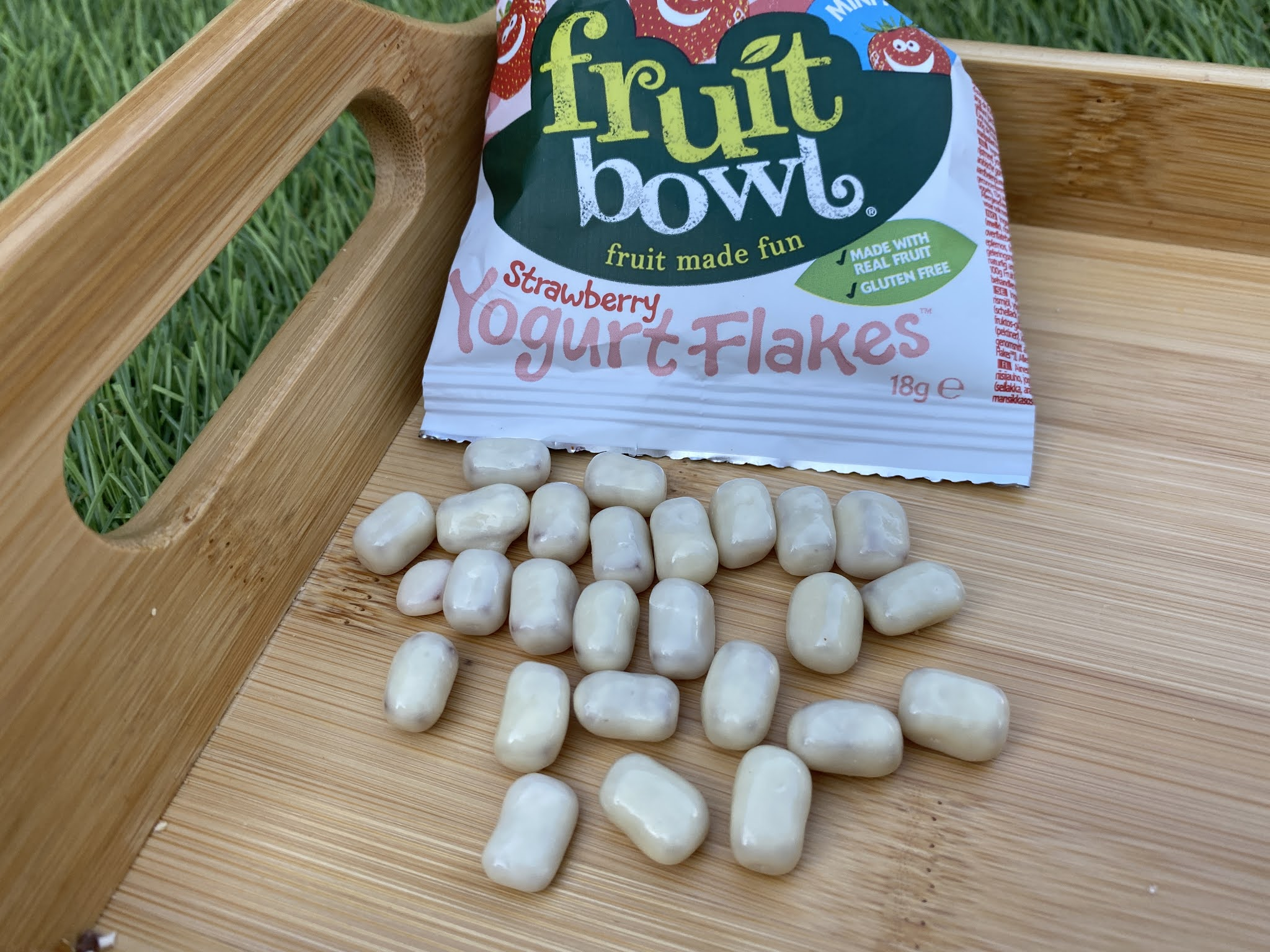 fruit bowl yogurt flakes