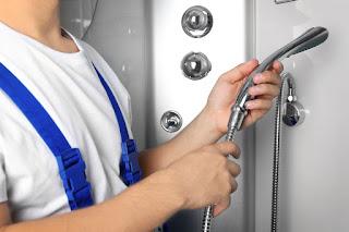 Comment changer un flexible de douche?