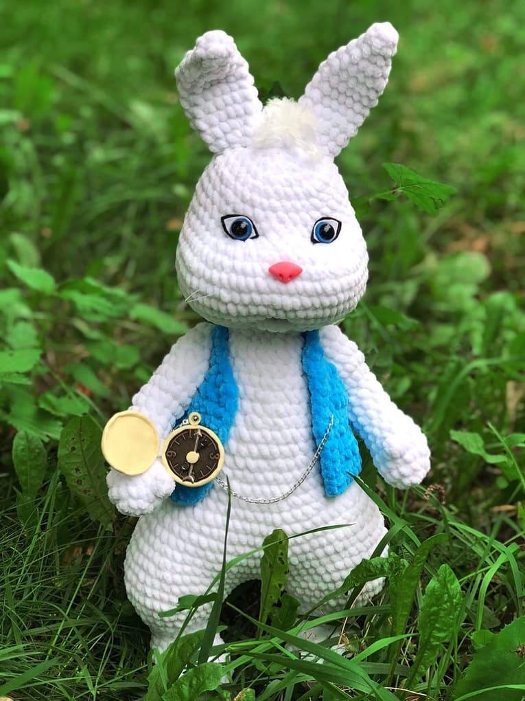 Белый кролик: мастер-класс крючком