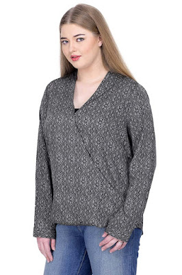 http://www.oxolloxo.com/plus-size-black-top-14638.html
