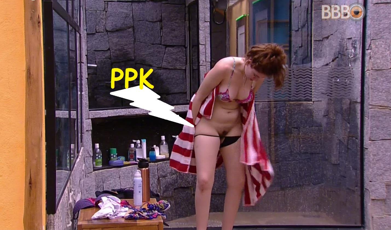 Ana Clara Mostra a Boceta sem Querer no BBB18