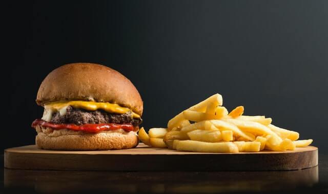 ماذا سيحدث لجسمك إذا توقفت عن تناول الدهون
