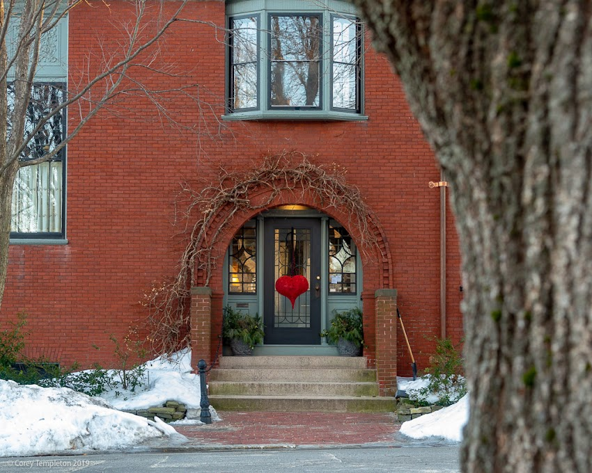 Portland, Maine USA February 2019 photo by Corey Templeton. A heart on Bowdoin Street, in the heart of the West End.