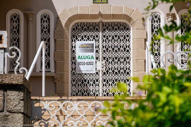 Casa na Rua Saldanha da Gama - detalhe porta de entrada principal