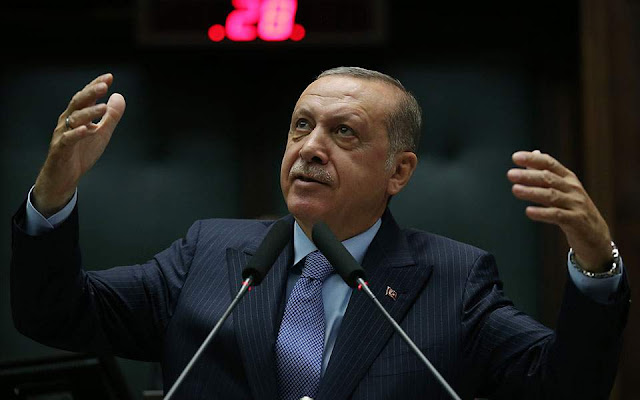 Σφοδρή επίθεση Ερντογάν κατά Γάλλων διανοουμένων για το Κοράνι