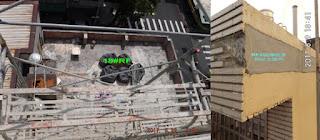 (左圖)經易修成工程專業測試後,找到漏水源頭就在頂樓!從外觀完全看不出漏水徵兆。(右圖)外牆磁磚脫落,主因是管子漏水,導致水從另一邊滲透。