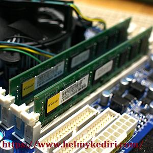 Periksa kondisi RAM di motherboard