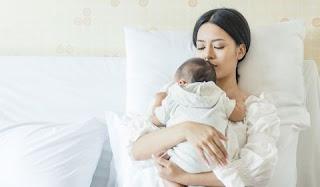 أطباء أمراض النساء يعارضون استمرار مراكز الولادة
