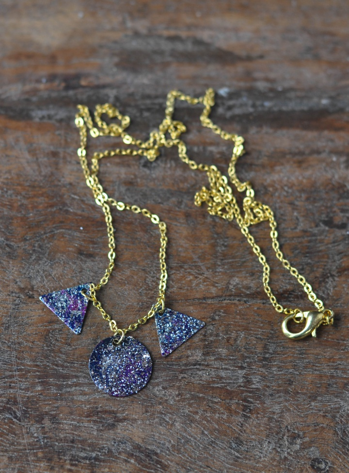 DIY Galaxy Necklace with a lot of shining stars