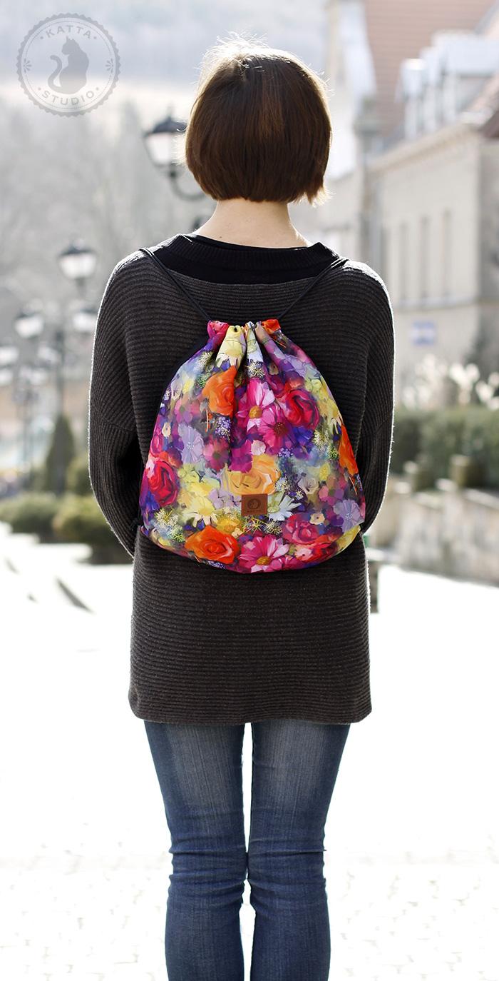 Kolorowe plecaki-worki