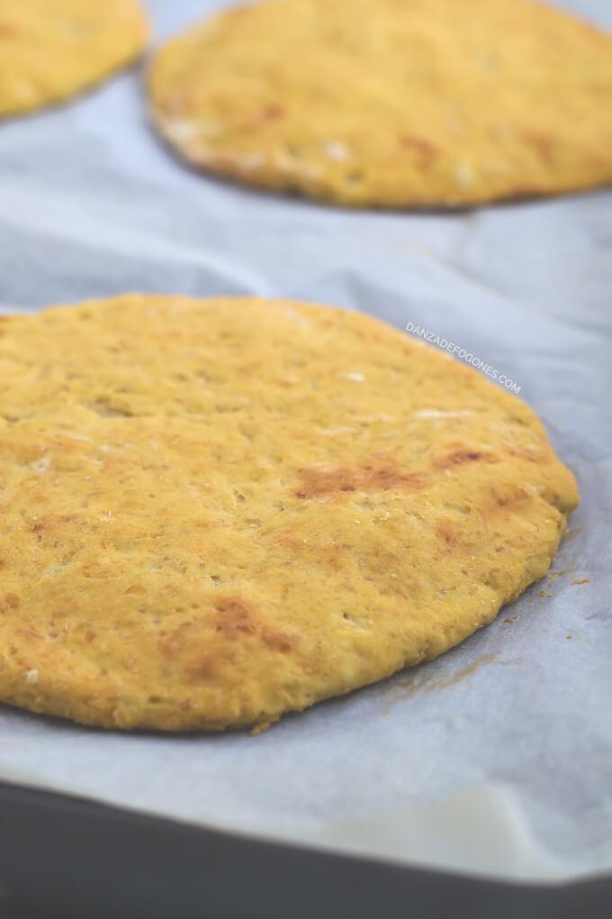 Pizza dough (vegan and gluten-free) | danceofstoves.com