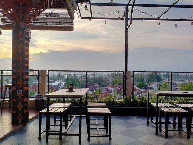 panorama semeru cafe jember
