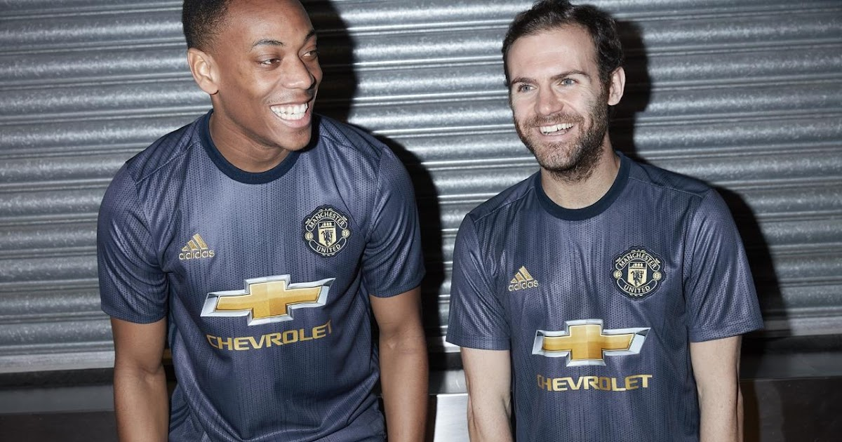 Manchester United 18-19 Third Kit Released - Footy Headlines 475f02bbf