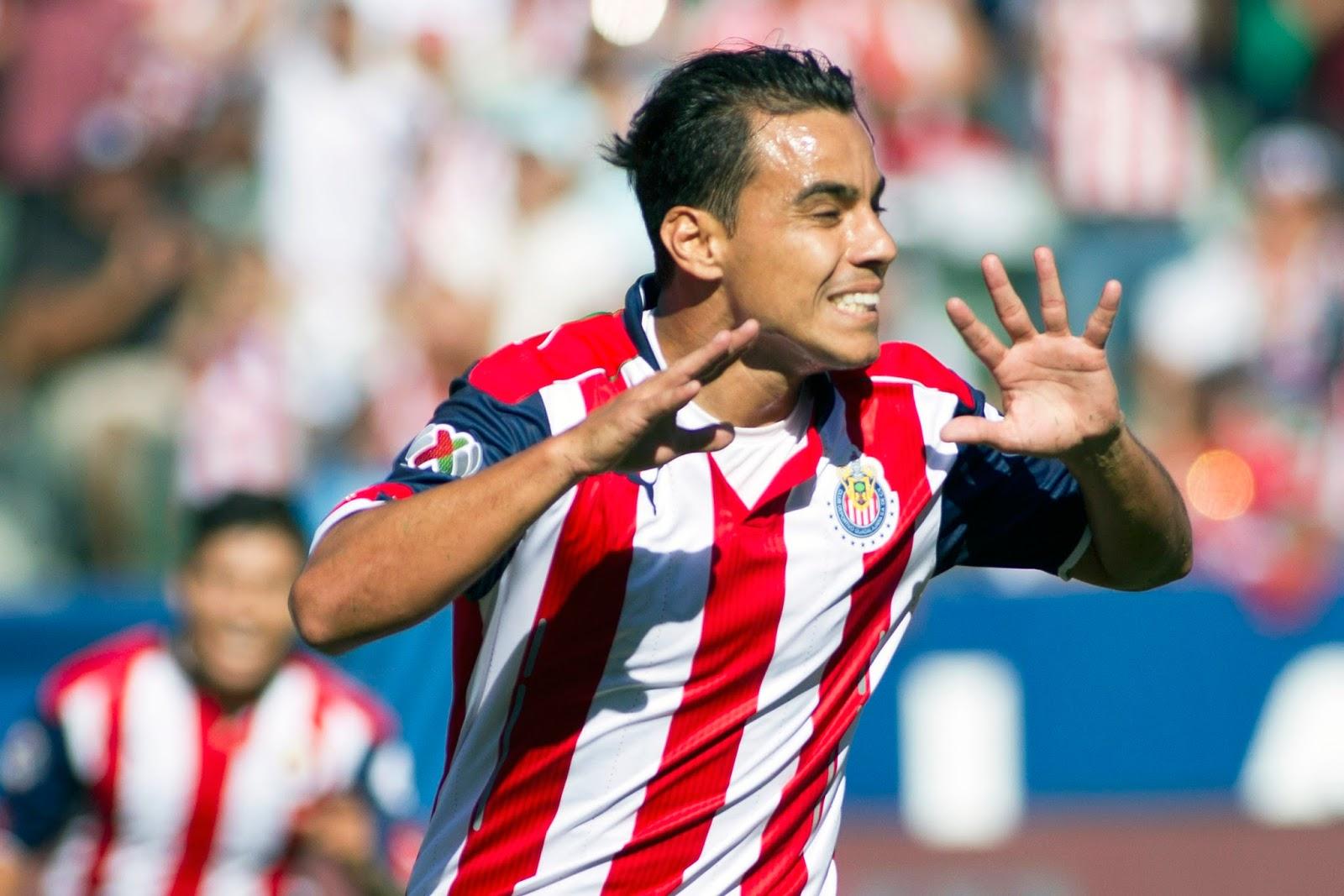 Omar Bravo podría volver a la Liga MX.