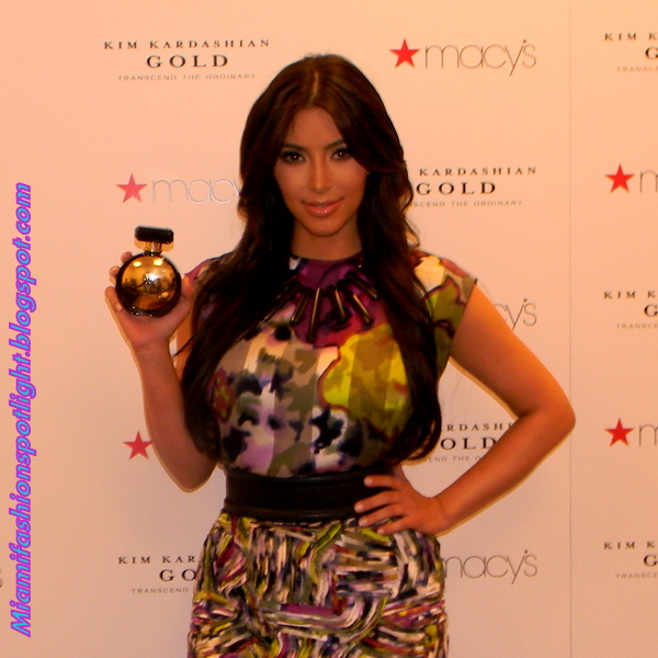 """Kim Kardashian Kicked Off With Her New Fragrance """"Gold"""" At"""