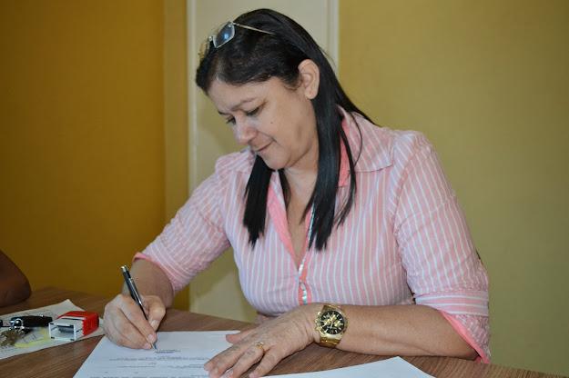 Prefeita Eunice Damasceno Garante Construção de 100 Casas Para ...