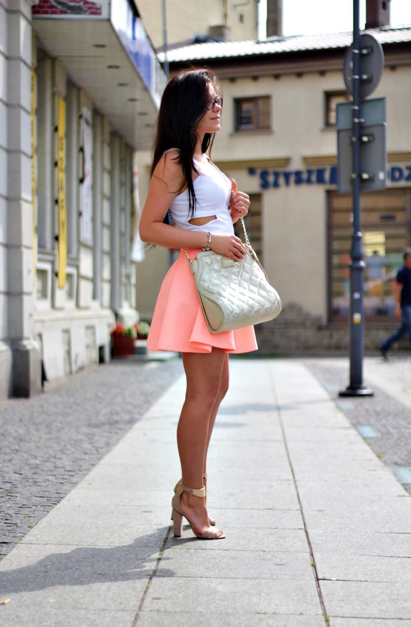 hm, spódniczka, spodnica, z koła, soufeel, pandora, charms, kupbuty, madamelala, lala, fashion, monnari, kolorowy sklep, słupku, sandały, brzoskwiniowa,
